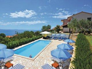 9 bedroom Villa in Sumpetar, Splitsko-Dalmatinska Županija, Croatia : ref 556200
