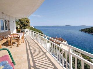 9 bedroom Villa in Voluja, Splitsko-Dalmatinska Zupanija, Croatia : ref 5562017