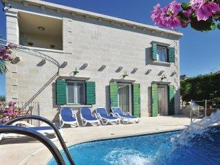 4 bedroom Villa in Mirca, Splitsko-Dalmatinska Županija, Croatia : ref 5561794