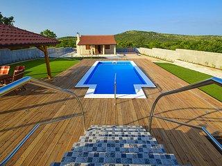 5 bedroom Villa in Grabovci, Šibensko-Kninska Županija, Croatia : ref 5560107