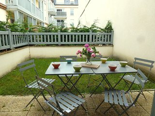 3 bedroom Apartment in Deauville, Normandy, France : ref 5559911