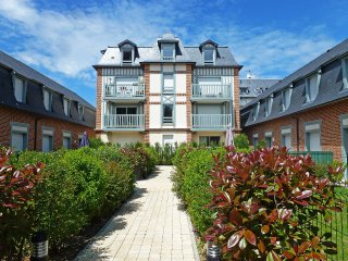2 bedroom Apartment in Deauville, Normandy, France : ref 5608726