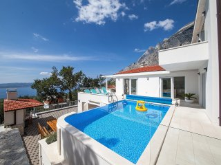 5 bedroom Villa in Bast, Splitsko-Dalmatinska Zupanija, Croatia : ref 5559767