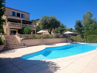 5 bedroom Villa in Saint-Aygulf, Provence-Alpes-Cote d'Azur, France : ref 555974