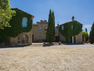 5 bedroom Villa in Rinecchi, Tuscany, Italy : ref 5559707