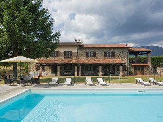 8 bedroom Villa in Sant'Anna, Tuscany, Italy - 5559703