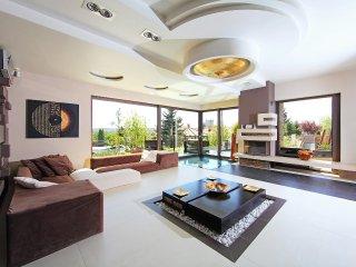 6 bedroom Villa in Mariavolgy, Pest megye, Hungary : ref 5559693