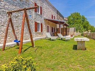 3 bedroom Apartment in Mutvoran, Istria, Croatia : ref 5559674