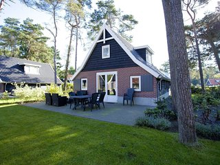 3 bedroom Villa in Otterlo, Provincie Gelderland, Netherlands : ref 5558810