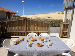 4 bedroom Apartment in Biscarrosse-Plage, Nouvelle-Aquitaine, France : ref 55585