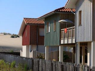 4 bedroom Apartment in Biscarrosse-Plage, Nouvelle-Aquitaine, France : ref 55585