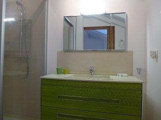 2 bedroom Villa in Saint-Jean-de-Luz, Nouvelle-Aquitaine, France : ref 5558490