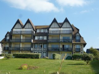 3 bedroom Apartment in Deauville, Normandy, France : ref 5558470