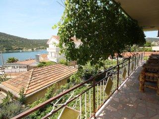 7 bedroom Villa in Vinisce, Splitsko-Dalmatinska Zupanija, Croatia : ref 5557371