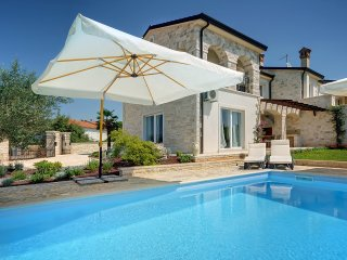 3 bedroom Villa in Rovinjsko Selo, Istria, Croatia : ref 5557351
