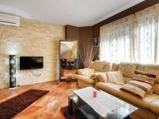 5 bedroom Apartment in Rovinjsko Selo, Istria, Croatia : ref 5557348