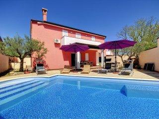 3 bedroom Apartment in Rovinjsko Selo, Istria, Croatia : ref 5557348