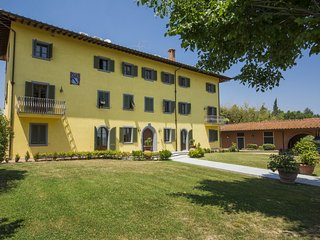 6 bedroom Villa in Le Pinete, Tuscany, Italy : ref 5557228