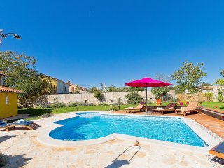 3 bedroom Villa in Cabrunici, Istria, Croatia : ref 5557208