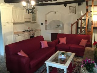 4 bedroom Villa in Montalla, Tuscany, Italy : ref 5557102
