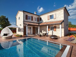 4 bedroom Villa in Čabrunići, Istria, Croatia : ref 5557089