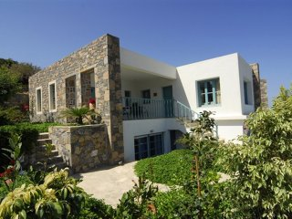 4 bedroom Villa in Mochlos, Crete, Greece : ref 5557044