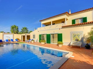 5 bedroom Villa in Montes Borralhos, Faro, Portugal : ref 5555850