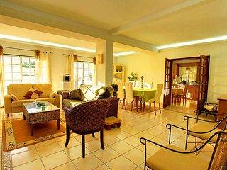 5 bedroom Villa in Montes Borralhos, Faro, Portugal : ref 5555850