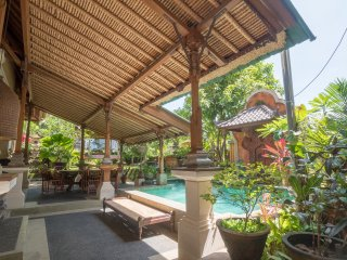 *New* Unique & Superb Central Ubud Town 5BR Villa