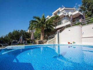 5 bedroom Villa in Makar, Splitsko-Dalmatinska Zupanija, Croatia : ref 5555328