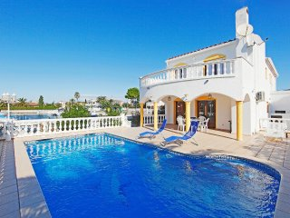 4 bedroom Villa in Empuriabrava, Catalonia, Spain : ref 5555227