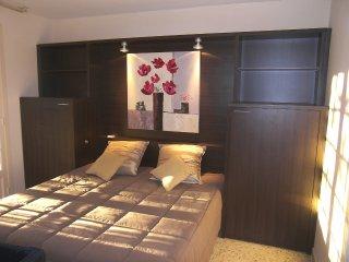 4 bedroom Villa in Faviere, Provence-Alpes-Cote d'Azur, France : ref 5555000