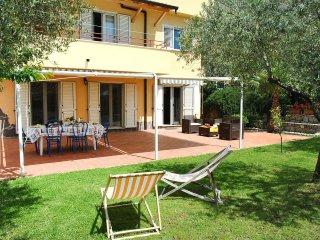 5 bedroom Villa in Madonna di Pompei, Latium, Italy : ref 5554986
