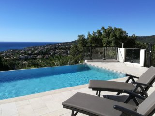 4 bedroom Villa in Saint-Aygulf, Provence-Alpes-Cote d'Azur, France : ref 555419