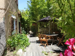 Appartement 40m2, grand jardin, 200m de la plage