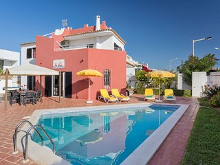 3 bedroom Villa in Galé, Faro, Portugal : ref 5550774