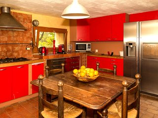 3 bedroom Villa in Vauvenargues, Provence-Alpes-Cote d'Azur, France : ref 554968