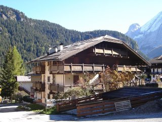 2 bedroom Apartment in Canazei, Trentino-Alto Adige, Italy : ref 5549685