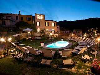 5 bedroom Villa in Lecchiore, Liguria, Italy : ref 5549409