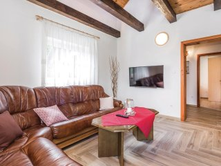 3 bedroom Villa in Modrići, Ličko-Senjska Županija, Croatia : ref 5547735
