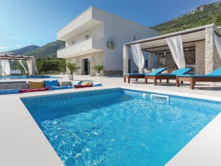 4 bedroom Villa in Kaštel Gomilica, Croatia - 5547710