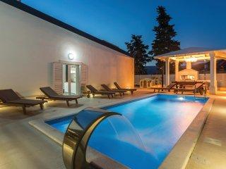 3 bedroom Villa in Split, Splitsko-Dalmatinska Županija, Croatia : ref 5546960