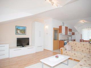 6 bedroom Villa in Zagvozd, Splitsko-Dalmatinska Županija, Croatia : ref 554650