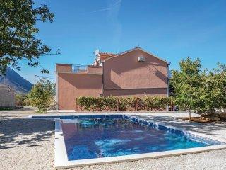 6 bedroom Villa in Zagvozd, Splitsko-Dalmatinska Županija, Croatia : ref 5546501