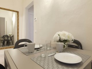 2 bedroom Apartment in Florence, Tuscany, Italy : ref 5544570