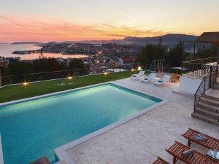 6 bedroom Villa in Strožanac, Splitsko-Dalmatinska Županija, Croatia : ref 55424