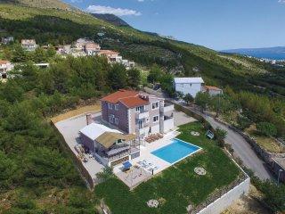 6 bedroom Villa in Strozanac, Splitsko-Dalmatinska Zupanija, Croatia : ref 55424