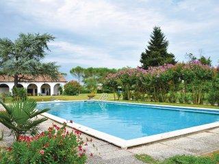 6 bedroom Villa in Ponte Fabbrica, Veneto, Italy : ref 5540657