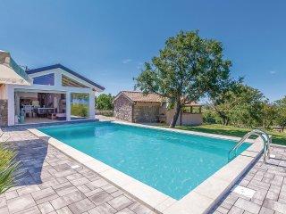 2 bedroom Villa in Šmrika, Primorsko-Goranska Županija, Croatia : ref 5533791