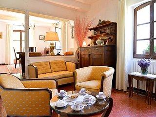 4 bedroom Villa in Riez, Provence-Alpes-Côte d'Azur, France : ref 5533191